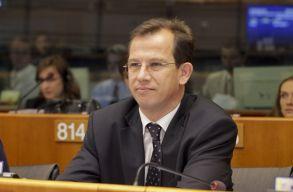 Sógor Csaba: az EU szóljon bele az országok kisebbségeit érintõ kérdésekbe