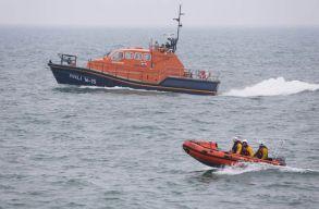 Egy román állampolgár meghalt, kettõ eltûnt egy nagy-britanniai hajóbalesetben
