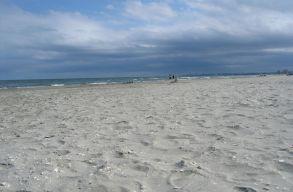 Fogyatékkal élõ gyerekeknek nyílik strand Konstancán