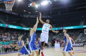 Magyarország legyõzte Csehországot a kolozsvári kosárlabda EB-n