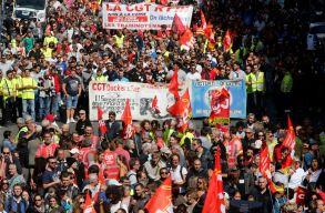 Tüntetnek Párizsban Macron munkaügyi reformjai ellen
