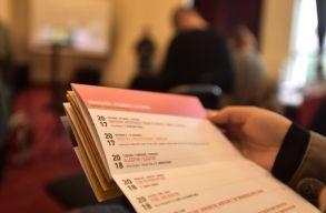 Anyagi nehézségekkel kezdi új évadát a kolozsvári színház, de ez alig vehetõ észre a kínálatukban
