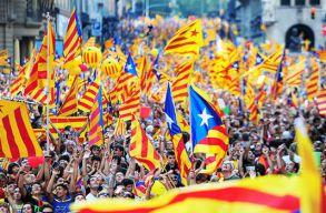 Spanyolország felfüggeszti Katalónia autonómiáját