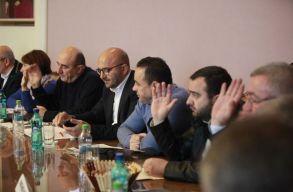 Betiltották a nyílt utcán történõ köpködést és szotyizást Buzãuban