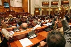 Elfogadta a képviselõház a bírák és ügyészek jogállását szabályozó törvényt módosító tervezetet