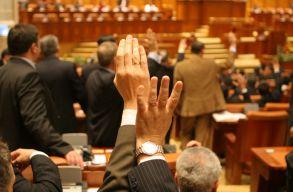 Elfogadta a képviselõház az igazságszolgáltatás megszervezésérõl szóló törvénymódosító tervezetet
