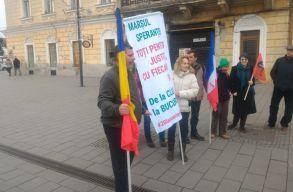 Lesznek akik 450 kilométert gyalogolnak majd a bukaresti tüntetésre