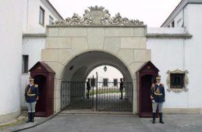 A kormány nem adja a bukaresti Erzsébet-palotát a királyi háznak