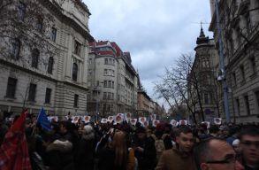 Több ezer diák tüntetett Budapesten