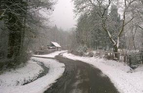 Esni és havazni fog egész hétvégén