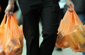 Szenátus: jövõ év elejétõl tilos a vékony falú mûanyag szatyrok forgalmazása