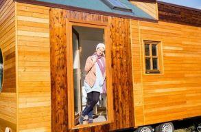 Kerekes házában akart élni a marosvásárhelyi lány, ezért építtetett magának egyet