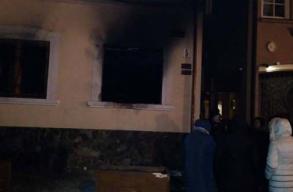 Felgyújtották a Kárpátaljai Magyar Kulturális Szövetség központi irodáját Ungváron