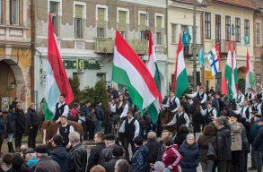 Másodszor is megbüntették a kézdivásárhelyi polgármestert a magyar zászlók miatt