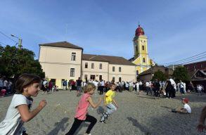 Nagybánya polgármestere arról beszélt március 15-én a magyaroknak, hogy nem is kell nekik önálló iskola