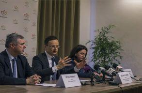 Közös sajtótájékoztatót tartott Marosvásárhelyen Szijjártó Péter és Péter Ferenc