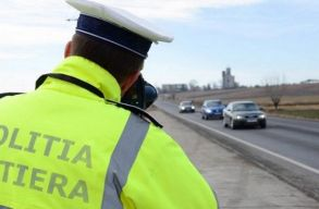 Hétvégén jó lesz vigyázni az utakon; 300 radar és helikopterek is figyelni fogják a közlekedést