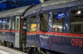 Összeütközött két vonat a salzburgi pályaudvaron