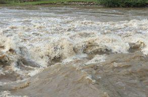 Bányavíz került a Nagy-Szamos egyik mellékágába