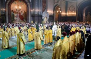 A romániaiak 95 százaléka hisz Istenben, de csak 21 százalékuk jár hetente templomba