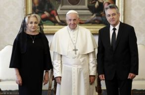 A katolikus egyház képviselõi mást mondanak Ferenc pápa romániai látogatásáról, mint a miniszterelnök