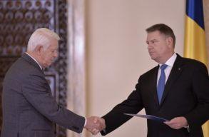 Johannis bekérette a külügyminisztert
