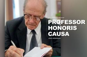 A BBTE tiszteletbeli professzori címet adományozott Dávid Gyula irodalomtörténésznek