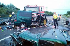 Korábban is okozott súlyos balesetet a Maros megyei kisbusz sofõrje