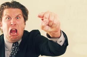 Öt jele annak, hogy control freak a fõnököd