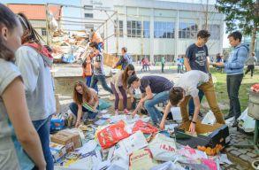 Tizenegy tonna papírt gyûjtöttek össze a Székely Mikó Kollégium diákjai és tanárai