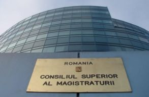 A fõügyészek kinevezésének és visszahívásának menetét módosítaná a CSM