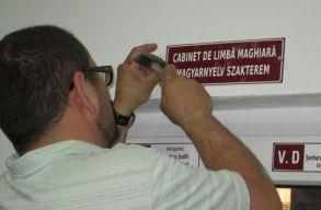 A bíróság helyben hagyta: lehetnek kétnyelvû feliratok a vásárhelyi iskolákban