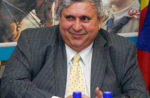 Alapfokon nyolc év letöltendõ börtönbüntetésre ítélték a Bihar Megyei Tanács volt elnökét