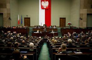 Az Európai Bizottság kötelezettségszegési eljárás indított Lengyelország ellen