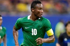 Az argentinok elleni meccs elõtt tudta meg a nigériai csapatkapitány, hogy elrabolták az édesapját
