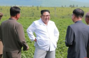 Kim Dzsong Un inkább egy krumplifarmot látogatott meg ahelyett, hogy az amerikai külügyminiszterrel találkozzon
