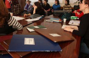 A tanári állásokra jelentkezõk több mint fele nem érte el a 7-es osztályzatot a versenyvizsgán