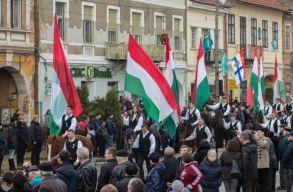 Az RMDSZ szolidaritási alapot hoz létre a zászlók miatt megbírságolt önkormányzati vezetõk számára