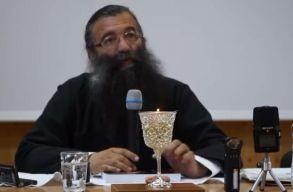 A nõket a nadrágviseléstõl óvó ortodox pópán pörög a román internet