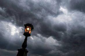 Viharokra és felhõszakadásra is számítani lehet szerdán országszerte