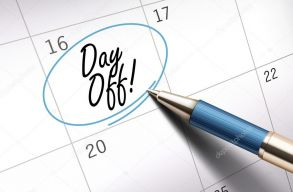 Lehet, hogy lesz még két szabadnapjuk augusztusban a közalkalmazottaknak?