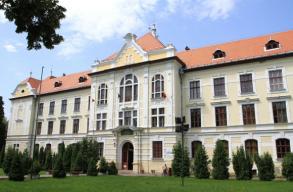 Szeptembertõl újraindul a tanítás a marosvásárhelyi római katolikus iskolában!