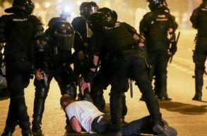 Két személyt õrizetbe vett a rendõrség a péntek esti bukaresti események nyomán