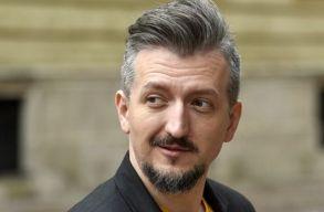 """A DoR folyóirat beválasztotta Székely Csabát a """"100 legmenõbb román közé"""""""