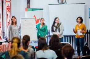Fiatal nõknek szervezett tehetséggondozó programot az RMDSZ Nõszervezete és a MIÉRT