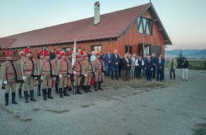 Átadták a fedett lovardát Csíkszentsimonban
