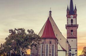Elkezdõdik a besztercei evangélikus templom felújítása, 3 évig nem lesz látogatható