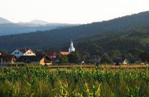 """Magyarlóna helyett inkább Szászlónára """"keresztelték át"""" a Kolozs megyei települést"""