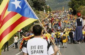 16 és 25 év közötti börtönbüntetéseket kért az ügyészség a vádlott katalán függetlenségi politikusokra