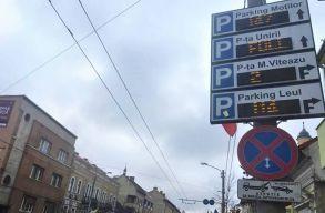 Kolozsváron digitális táblák segítenek a belvárosi parkolásban